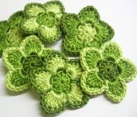 Crochet cotton flower appliques in green shades, 1,6 inches, 6 pc