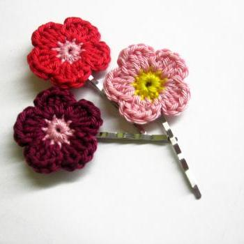 Crocheted bobby pins colorful flowers in pink, red and maroon red set of 3